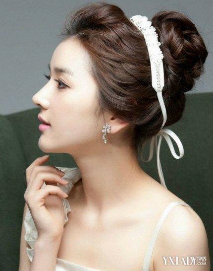 美容 发型 流行发型 / 正文  漂亮的新娘造型在婚礼当天是很重要的图片