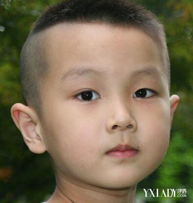 3岁女童怎么扎头发 宝宝短发怎么扎头发(3)_发型师姐图片