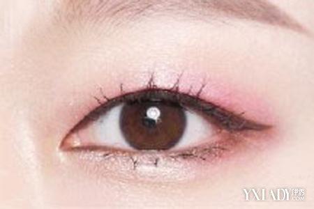【图】挖掘金鱼眼画眼妆图解 拯救金鱼眼摆脱大眼袋