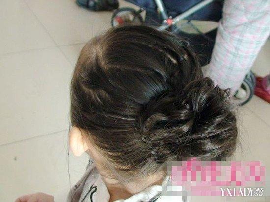 夏季小女孩的头发扎法图片 两种扎法让你家宝贝清爽又可爱