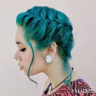 【图】闷青色头发怎么染 两个方法让你轻松染出闷青色