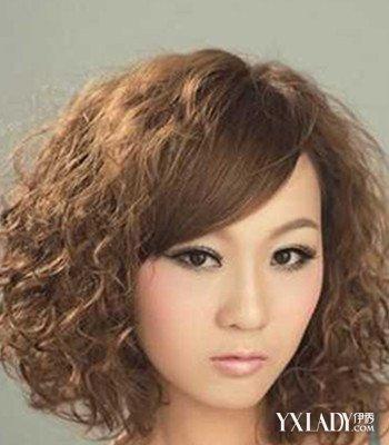 【图】女生短发烫发爆小卷发型 4款时尚烟花烫