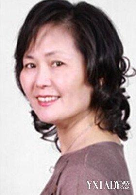 女士发型卷发_女生烫发发型图片 v118.com