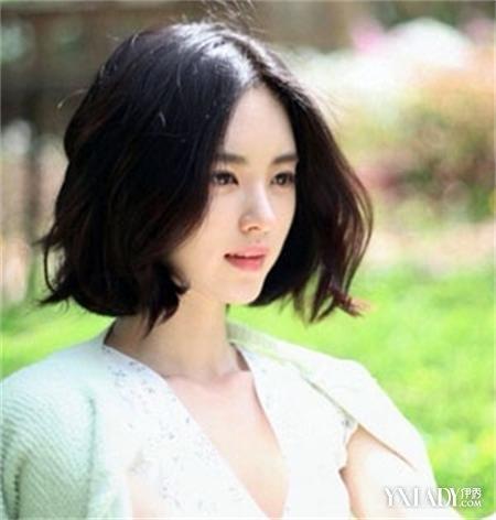 韩式内扣中短发发型盘点 时尚烫发修颜图片