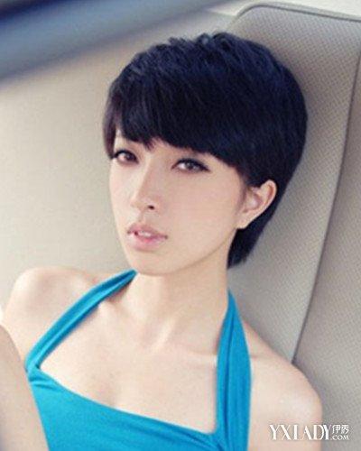 发型 流行发型 正文  有着十足清爽气质风式的一款时尚女生中性短发图片