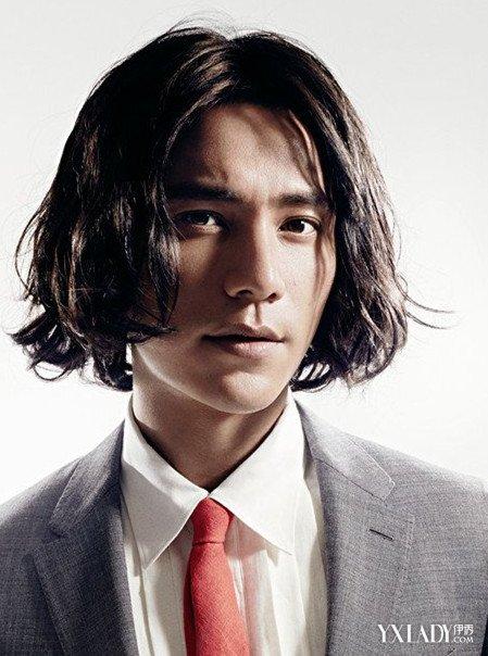 男生留长发过渡期发型如何打理 男士留长发必看建议