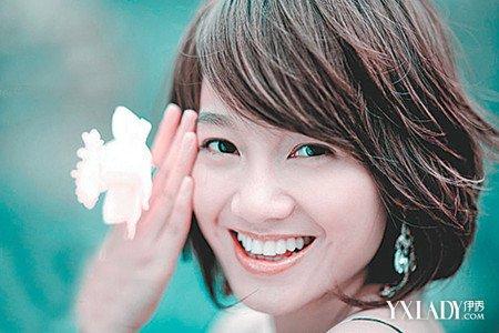 女主播朱丹清爽的短发发型图片欣赏 教你剪出别致高挑的短发