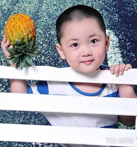 【图】两岁男发型潮流图片展示宝宝短发教你发型自己的编法图片