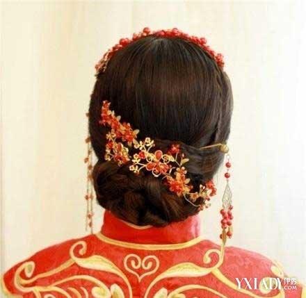 发型 流行发型 正文  中式新娘盘发 牡丹,彰显贵气,这款新娘盘发发型