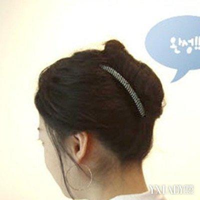 【图】发梳盘发图解大全 韩式女生扎头盘发方法有哪些 (400x400)图片