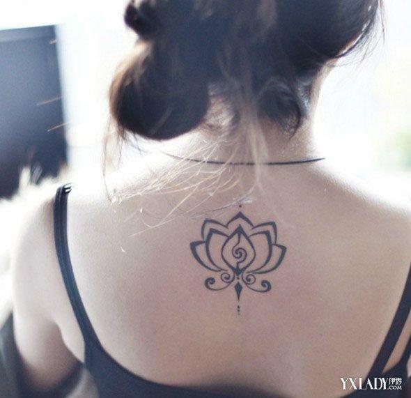 现在的纹身一般不使用刺青所使用的染料和墨水,而是使用经酒精浸泡的