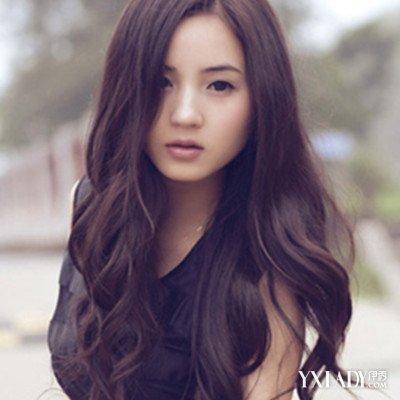 女生黑长发烫发发型推荐 多种款式任你选择图片