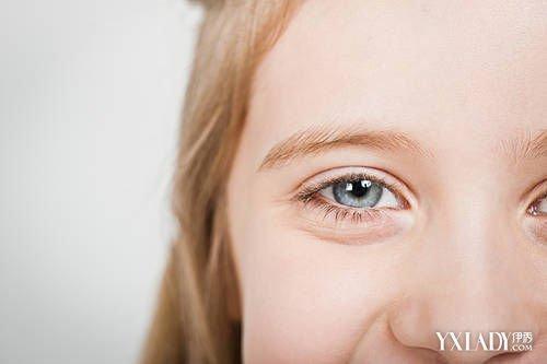 【图】晨起眼脸水肿怎么办 8个眼部护理让你告