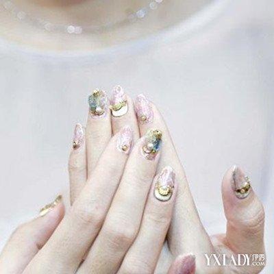 【图】金线美甲图片欣赏 5个步骤教你涂出漂亮指甲