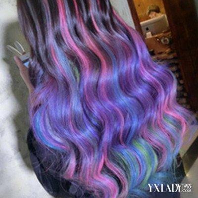 蓝色挑染头发图片大全 皮肤黄的人头发染什么颜色好看?