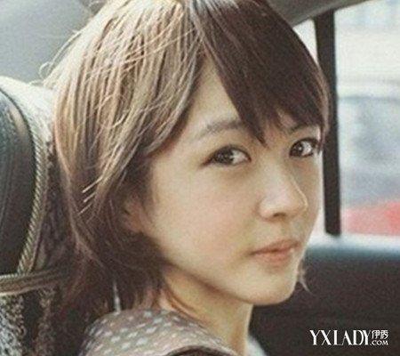 黑白短发女生头像曝光 带来日系甜美文艺风图片