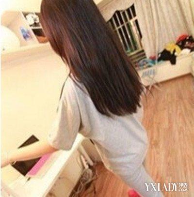 【图】长腿长直发背影气质美女图片 长发发型突显你的淑女气质