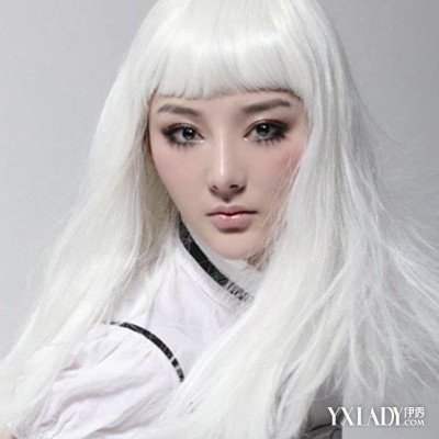 亚麻灰色头发图片女生图片欣赏 手把手教你解决脱发问题