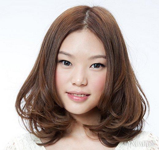 【图】韩式内扣图片长发分享8款经典短发让你中分2017卷中发型图片