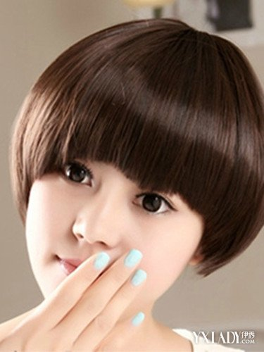 爽快,简单好看的女生短发发型,适合脸型:倒三角脸,长脸,鹅蛋脸,短脸.图片