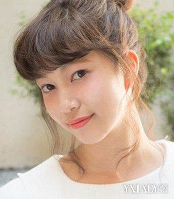 【图】短发刘海丸子头简单扎法图解可爱俏皮空气波浪卷发型怎么做图片