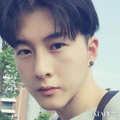 男发型中分图片示范 看韩国男生如何走出潮男路线
