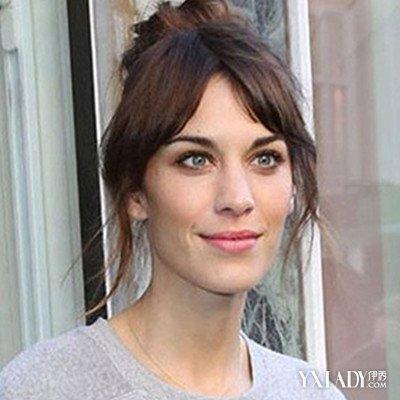 【图】国字脸发型女头发少适合的发型推荐 轻松塑造娇小脸庞图片