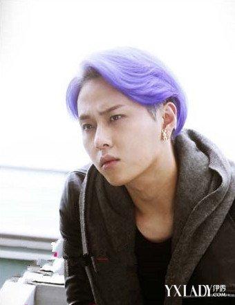 2018年流行的紫色头发发型男 时尚又有个性图片