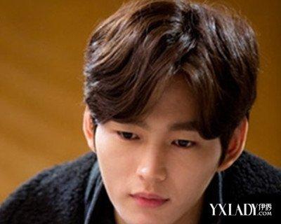【图】韩国男生卷发发型图片欣赏 时髦瘦脸帅气无法挡图片