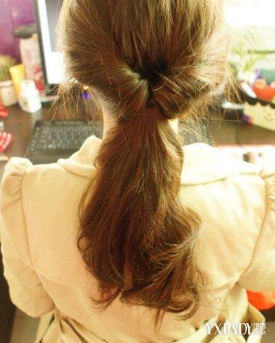 日常发型扎法 简单好看的扎头方法图片