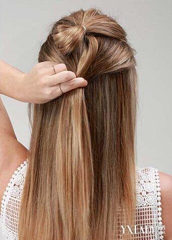 简单半扎发型教程图解 双丸子头更加抢眼