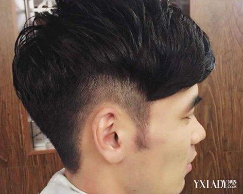男生头发两边剃条纹是什么发型 莫西干发型详解图片