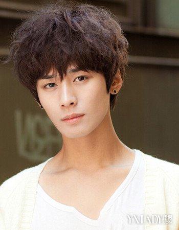 2018韩国男生发型潮流类型 小编为大家推荐几款暖男发型图片
