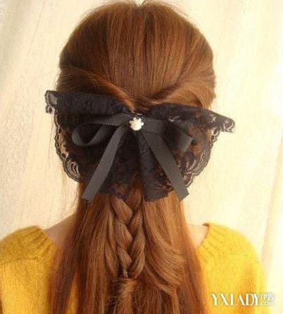 【图】中长发直发扎法图解 教你几种发型的编法图片
