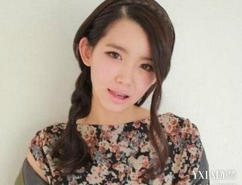 流行的37分斜刘海直发发型 俏皮减龄彰显时尚图片