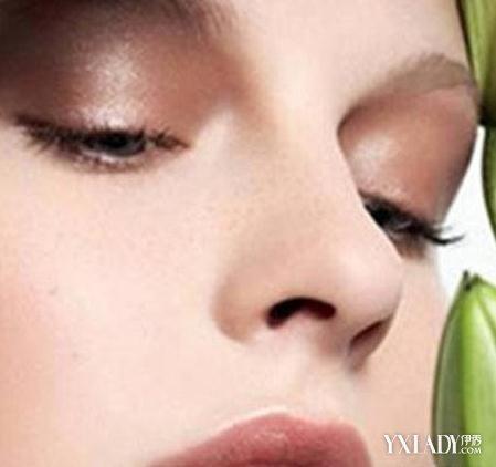 鼻梁长痘红肿原因大揭密 掌握这几种祛痘法让你拥有靓丽肌肤