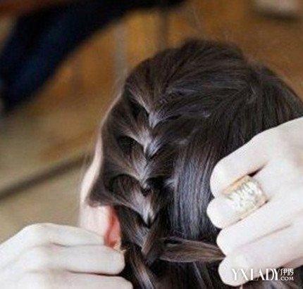 【图】满头小辫子编法图解 漂亮发型让你美爆一个盛夏