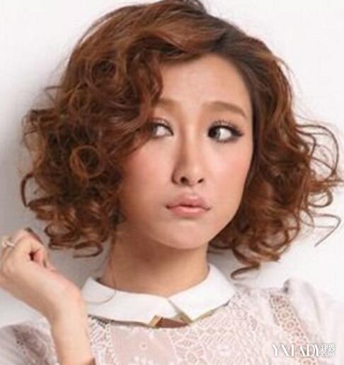 【图】中年发型烫发发型小卷图片欣赏尽显时攻墨短发刘德华图片