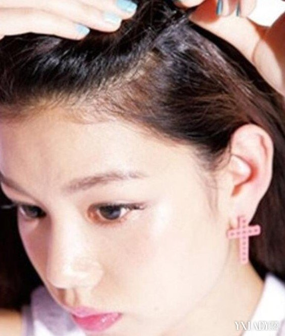 前面刘海怎么编辫子后面扎起来 多种方法轻松搞定