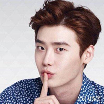 韩国欧巴三七分发型盘点 亲身示范潮男养成术