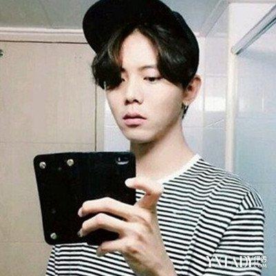 【图】中分男发型刘海怎么弄好看 推荐4款清爽又帅气的中分发型 (400x图片