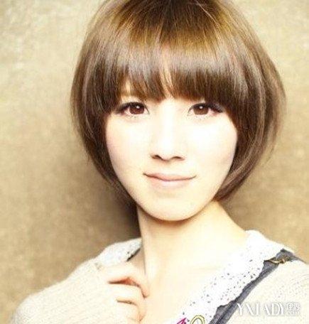 瓜子脸短发女生发型阳光型怎样 为你推荐几种活力造型图片