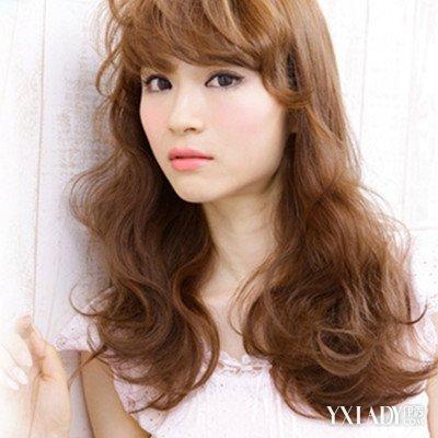 新款潮流发型女中长发分享展示图片