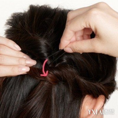 披发编发发型步骤详解 简单步骤打造知性公主头