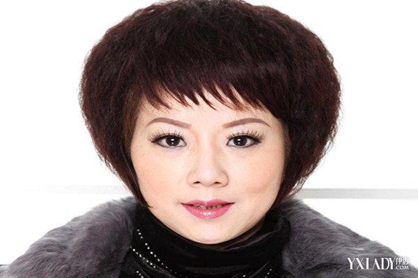 【图】欣赏中老年发型图片女烫发 这样做更显年轻