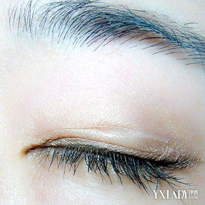 内双双眼皮贴的正确贴法详解 4步让你变电眼女神