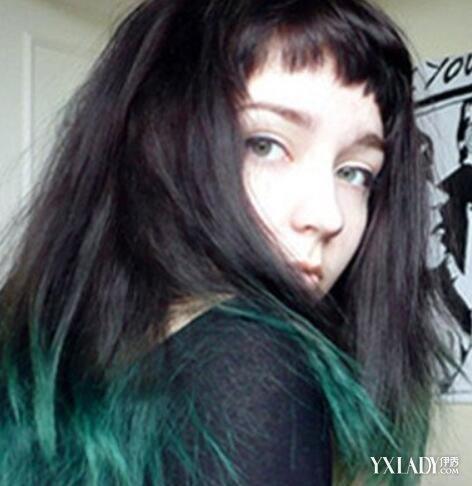 女生中长发挑染发型图片 马卡龙挑染炫丽吸睛图片