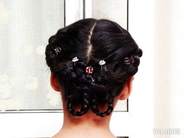 扎头发的方法步骤