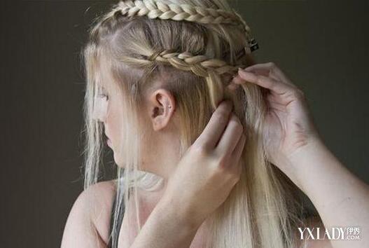 不需要发型师 自己打造侧编发一边披的发型