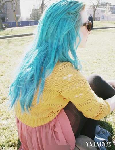 另类深色闷青色头发图片 非主流气质十足